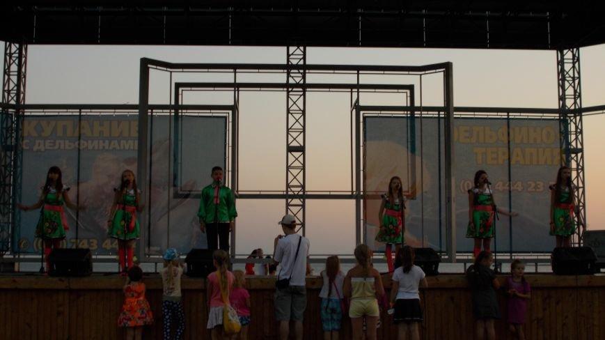 Для бердянцев и гостей города прошел концерт-подарок (фото) - фото 3