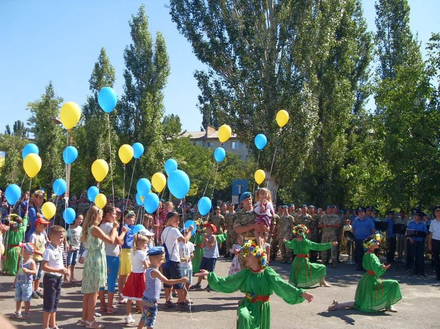 Николаевцы почтили память десантников, погибших на Донбассе (ФОТО) (фото) - фото 15