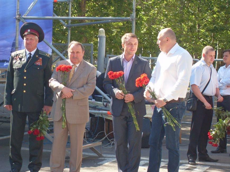 Николаевцы почтили память десантников, погибших на Донбассе (ФОТО) (фото) - фото 3