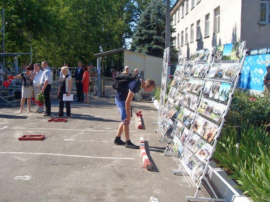 Николаевцы почтили память десантников, погибших на Донбассе (ФОТО) (фото) - фото 4