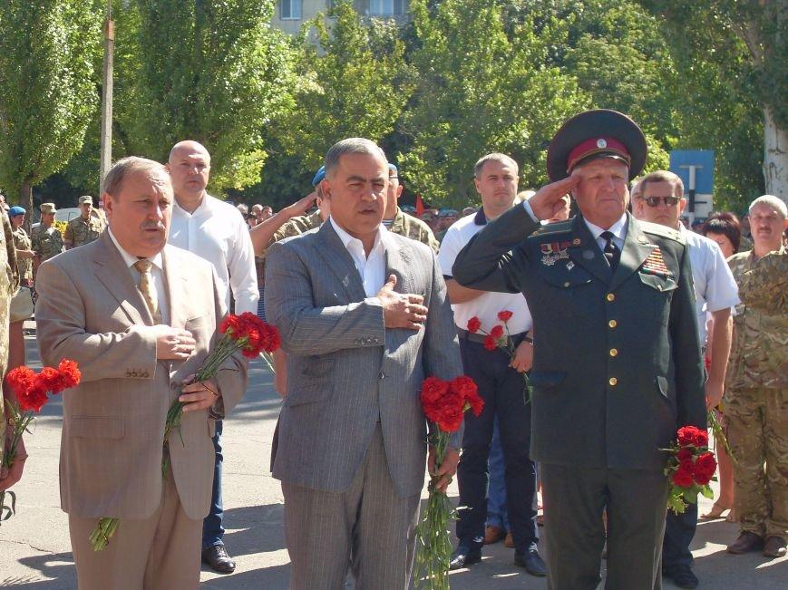 Николаевцы почтили память десантников, погибших на Донбассе (ФОТО) (фото) - фото 8