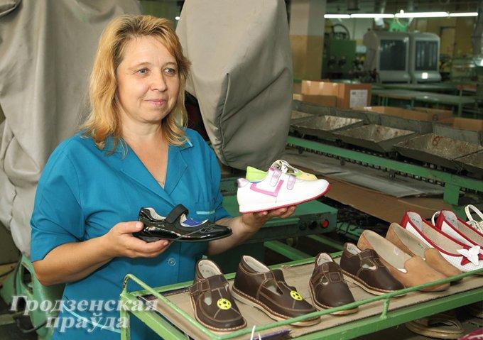 Фоторепортаж: как производится обувь на гродненской фабрике «Неман» (фото) - фото 3