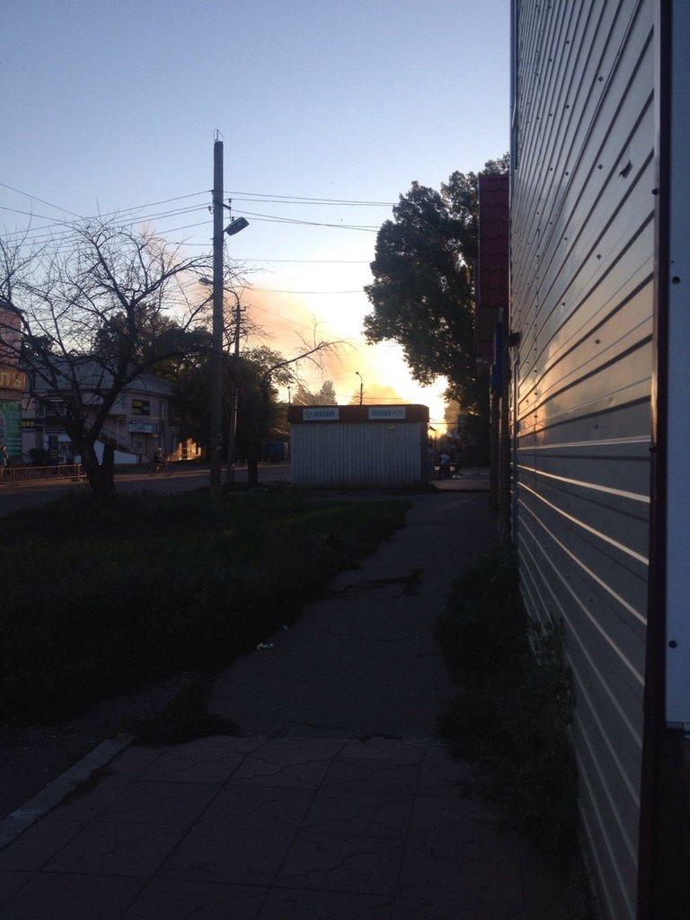 Пожар потревожил воскресный вечер в Красноармейске (фото) - фото 1