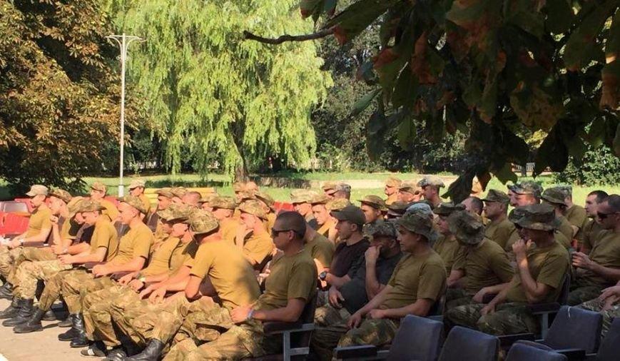 Николаевские волонтеры порадовали бойцов «аэромобилки» концертом на передовой (ФОТО) (фото) - фото 3