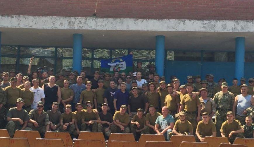 Николаевские волонтеры порадовали бойцов «аэромобилки» концертом на передовой (ФОТО) (фото) - фото 4