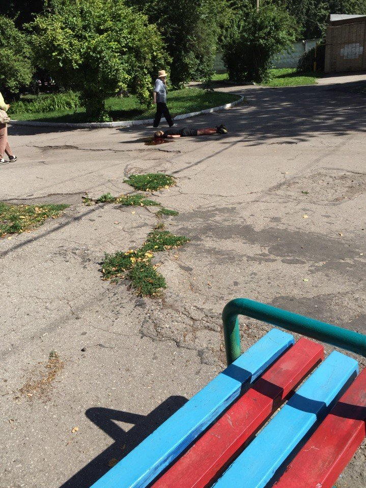 Пока войска празднуют, детей убивают: мальчик найден мертвым в парке Матросова (фото) - фото 2