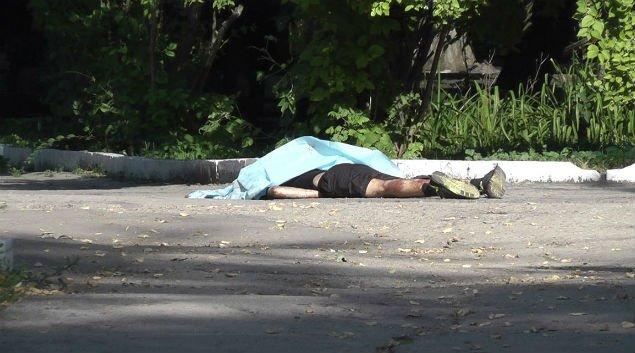 Пока войска празднуют, детей убивают: мальчик найден мертвым в парке Матросова (фото) - фото 1