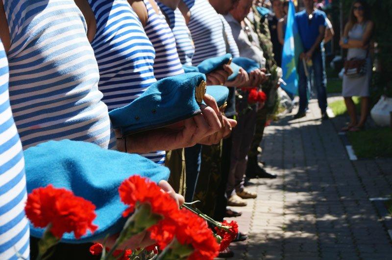 Без фонтана. Белгородские десантники отметили День ВДВ спокойно и без драк (фото) - фото 3