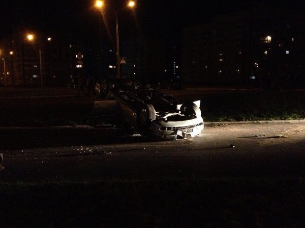 На Гомельщине перевернулся BMW: погиб пассажир (фото) - фото 1