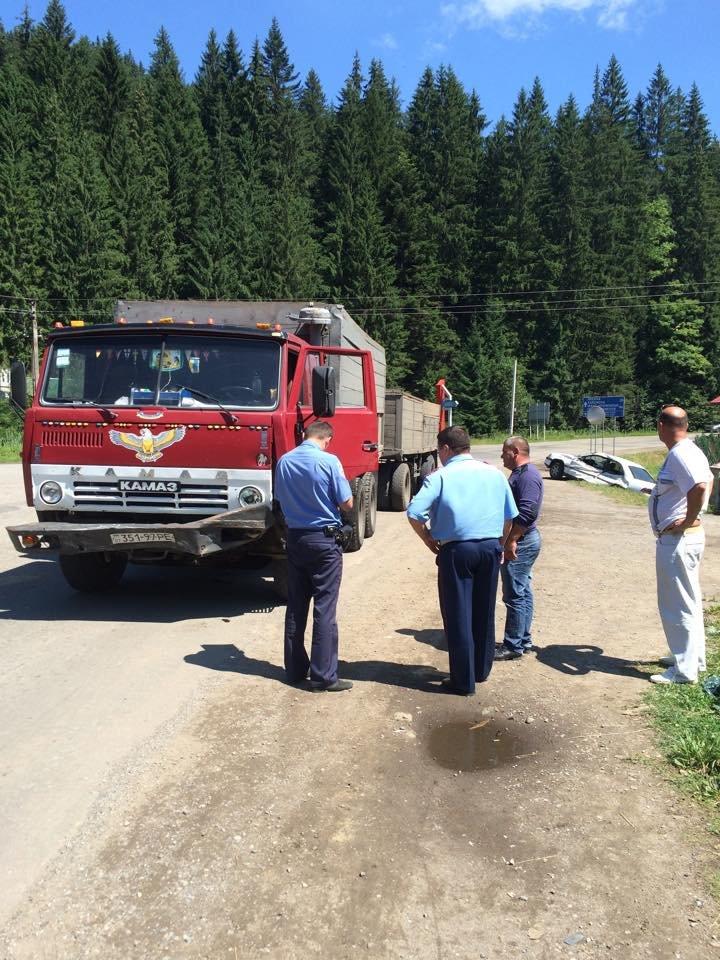 У ДТП на Прикарпатті постраждали двоє столичних туристів (ФОТО) (фото) - фото 1