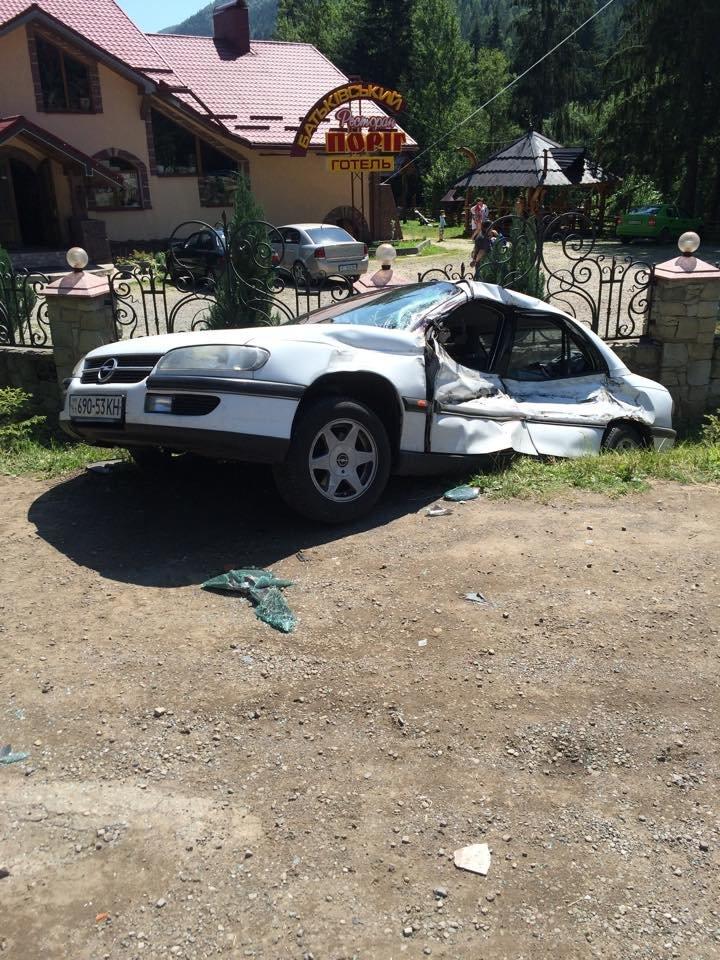 У ДТП на Прикарпатті постраждали двоє столичних туристів (ФОТО) (фото) - фото 4