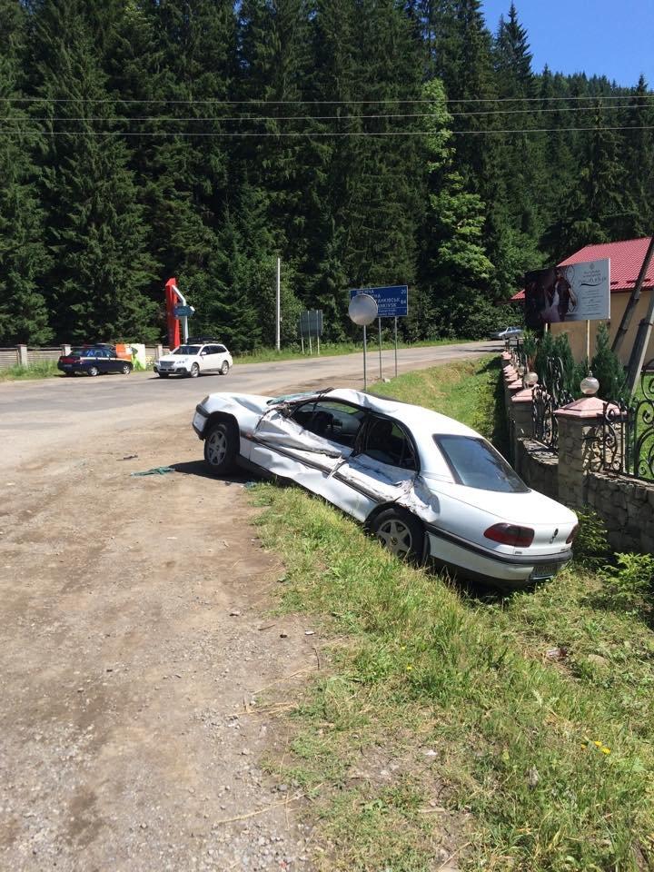 У ДТП на Прикарпатті постраждали двоє столичних туристів (ФОТО) (фото) - фото 3