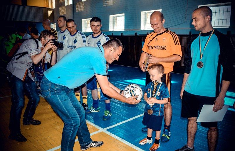 Днепропетровские десантники выиграли турнир по футзалу в Житомире (фото) - фото 2