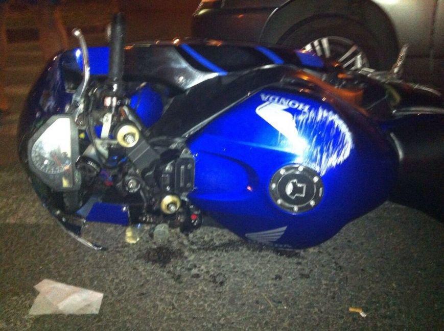 В Днепропетровске столкнулся ВАЗ2110 и мотоцикл (фото) - фото 2