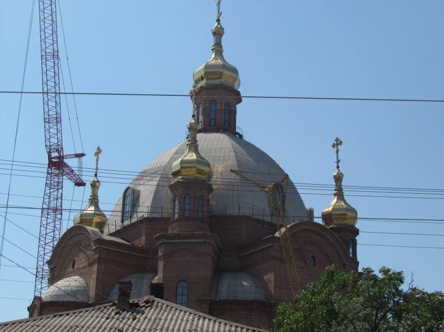 На центральный купол храма в честь Покрова Божьей Матери водружен главный крест (ФОТО), фото-2
