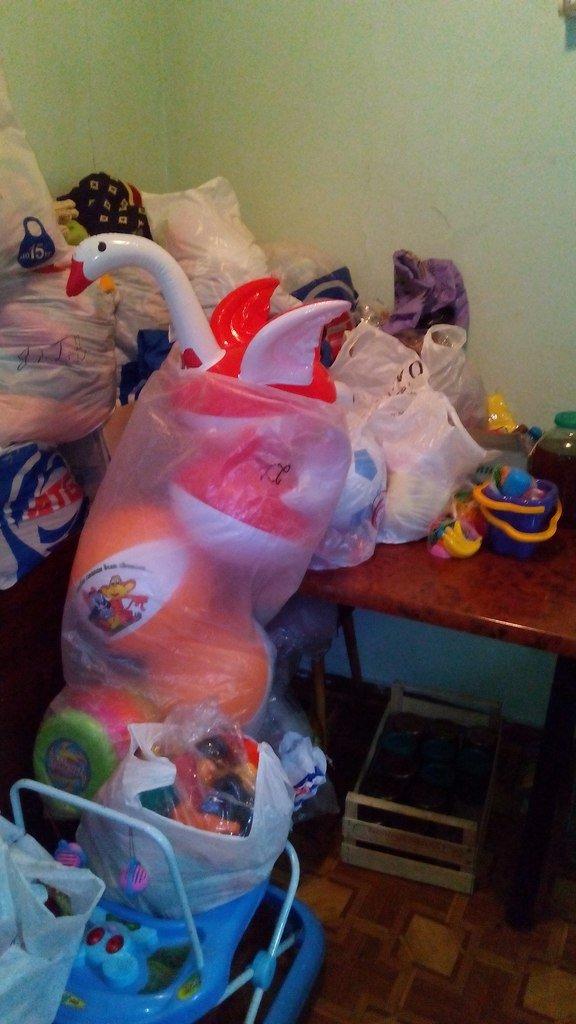 Криворожские волонтеры приобрели для детей в противотуберкулезный диспансер одежду и книги (ФОТО) (фото) - фото 2