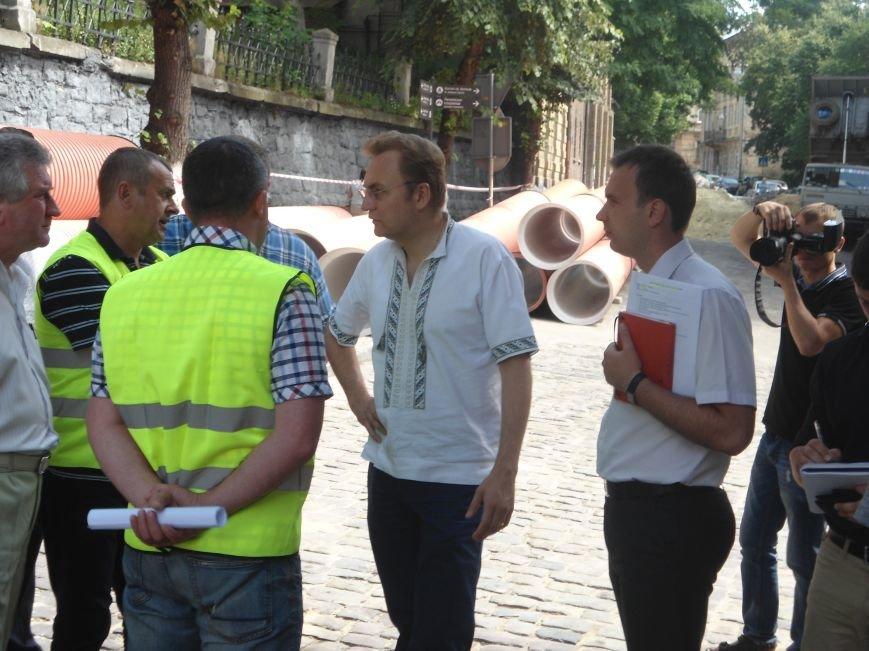 У Львові до кінця вересня планують завершити усі ремонтні роботи на вулиці Лисенка (фото) - фото 1