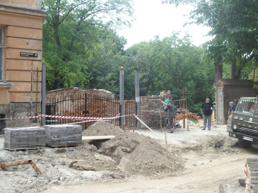 У Львові до кінця вересня планують завершити усі ремонтні роботи на вулиці Лисенка (фото) - фото 8