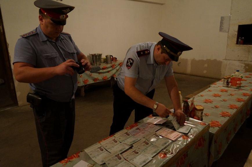 Выходцы с Кавказа производили контрафактный алкоголь на складах в Свени (фото) - фото 1