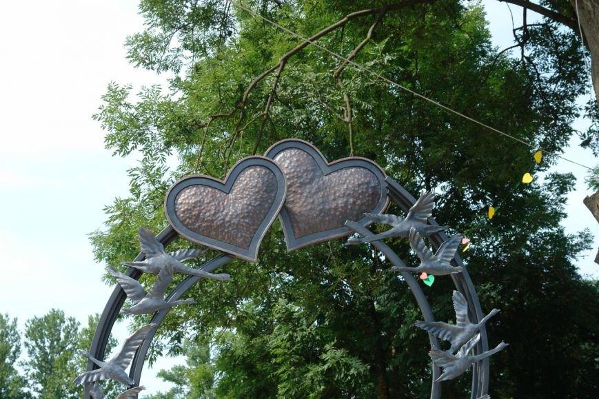 Острів кохання поповнився ще однією «ковкою» (фото) - фото 3