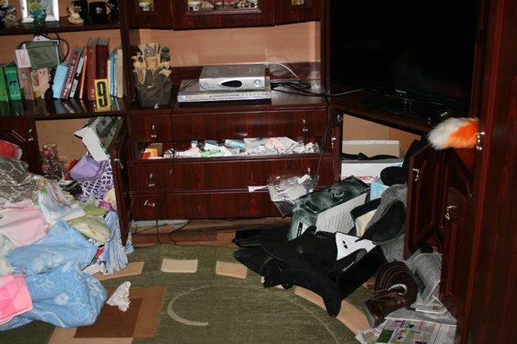 Запорожцы совершили дерзкий налет в Ровненской области. Избили, связали супругов и обчистили дом (фото) - фото 1