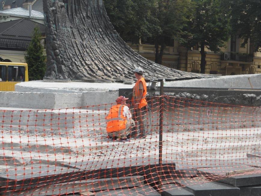 Пам'ятника Тарасу Шевченку закінчать через два місяці (ФОТО) (фото) - фото 6