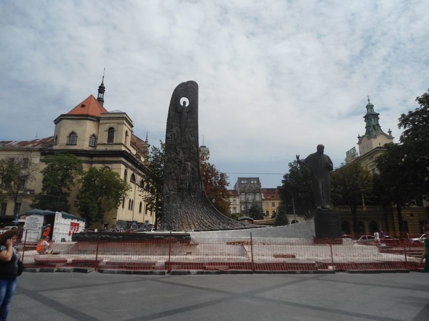 Пам'ятника Тарасу Шевченку закінчать через два місяці (ФОТО) (фото) - фото 4