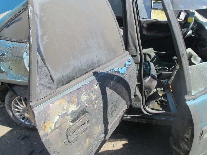 На территории гаражного кооператива чуть не сгорел автомобиль, фото-2