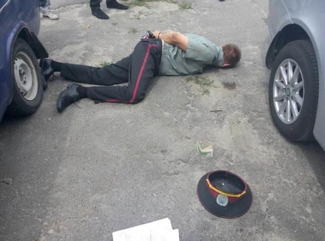 На Львівщині впіймали на хабарі начальника місцевої виправної колонії (фото) - фото 2