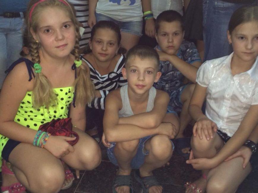 «Дети войны» рассказали, как живут на линии огня в поселках под Мариуполем (ФОТО), фото-12