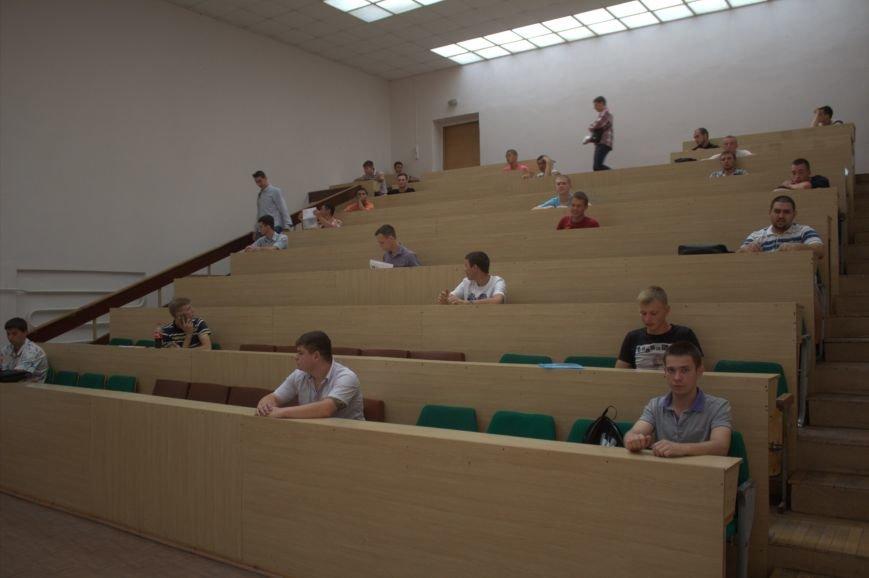В Днепродзержинском государственном техническом университете затягивается процесс зачисления абитуриентов (фото) - фото 1