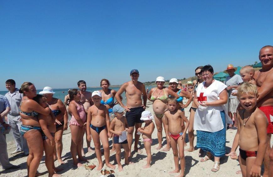 Бердянский Красный Крест провел рейды на пляжах города (фото) - фото 1