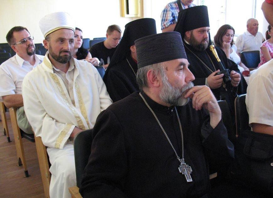 «Мы все живем на одной Богом данной земле, у нас одна родина – Украина. Другой у нас не было и не будет» - Георгий Тука (фото) - фото 2