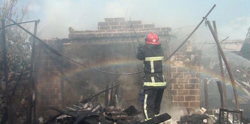 В Запорожье потушили масштабный пожар в часном секторе (ФОТО) (фото) - фото 1