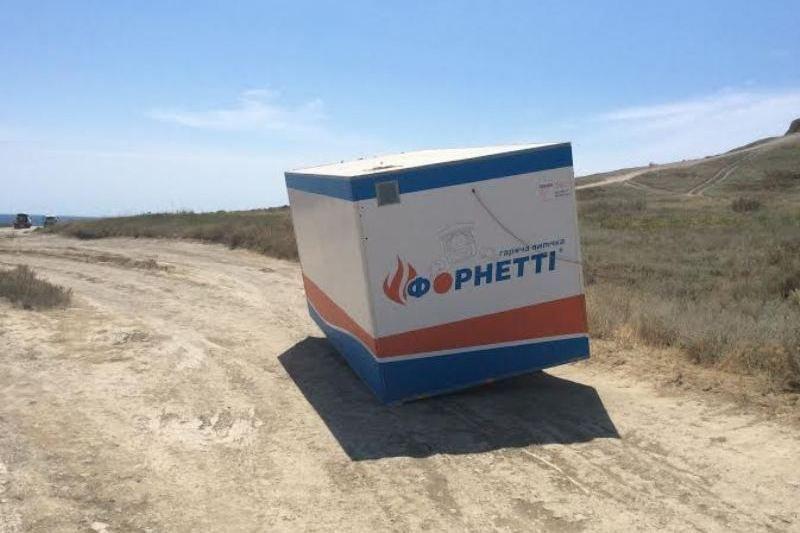 Незаконные коммерческие объекты в Тихой бухте продолжили работу на следующий день после очередной попытки их демонтажа (ФОТО) (фото) - фото 1