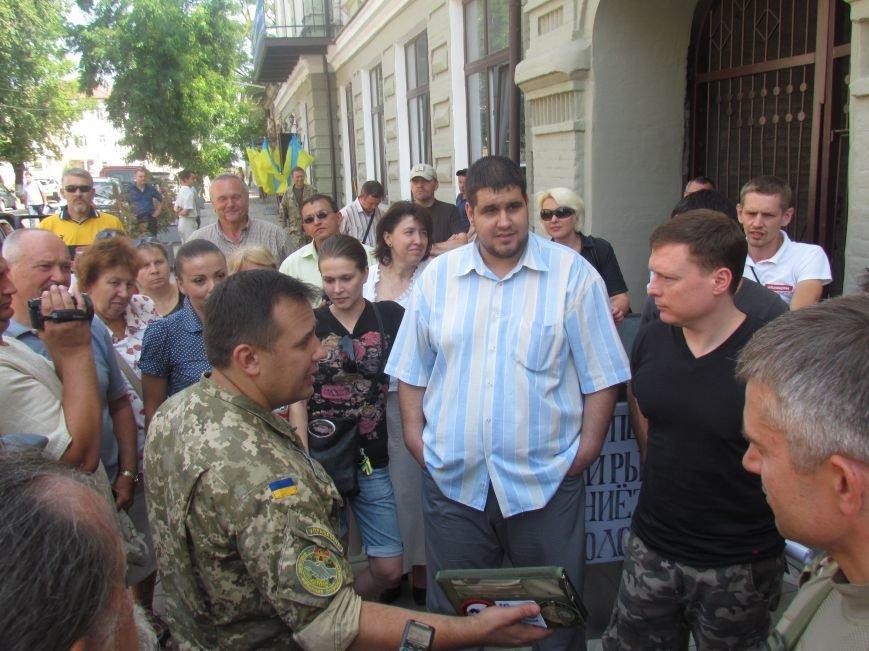 Представителей Минобороны взяли в окружение мариупольские активисты (ФОТО), фото-2