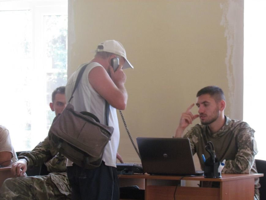 Мариупольцы уже могут связаться с центром гражданско-военного сотрудничества (ФОТО), фото-2