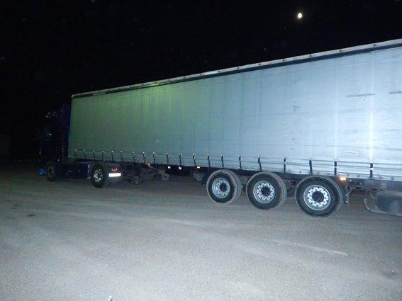 З Буковини до Молдови намагалися провезти 130 кубометрів контрабандних пиломатеріалів, фото-2