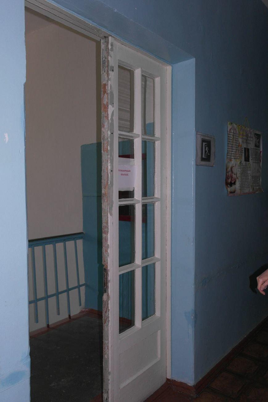 Женская консультация при Красноармейской ЦРБ остро нуждается в ремонте, фото-3