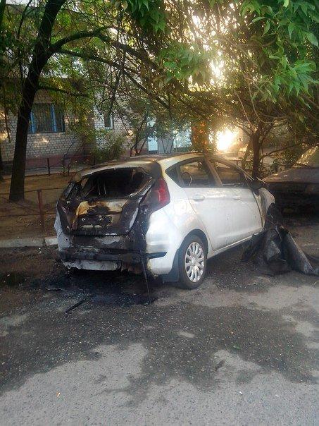 В Запорожье горел автомобиль (ФОТО) (фото) - фото 1