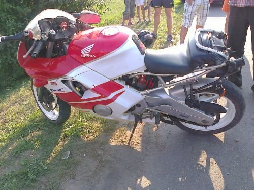 В Скиделе водитель мотоцикла с пассажиром вылетели в кювет (фото) - фото 3