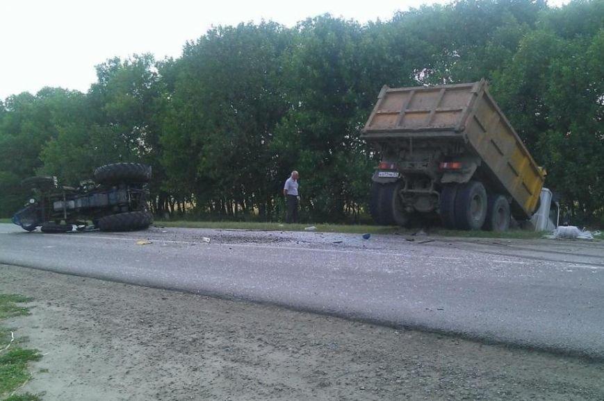 В Белгородской области грузовик протаранил скутер, погибла женщина (фото) - фото 1