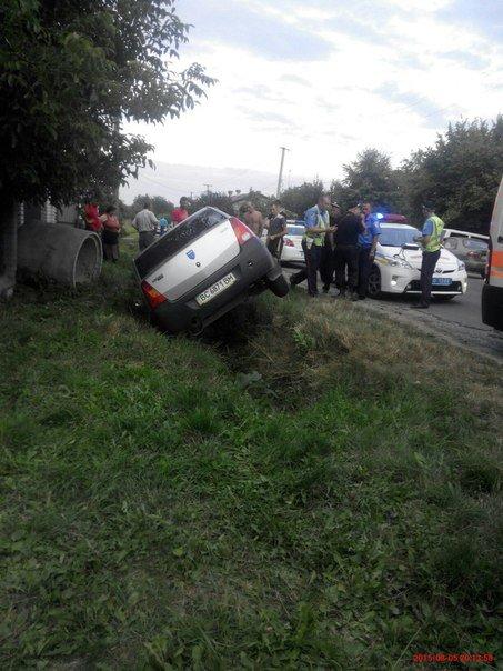 На Львівщині двоє чоловіків викрали автомобіль і потрапили в аварію (ФОТО) (фото) - фото 2