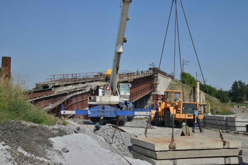 Восстановление взорванного террористами ж/д моста через Кальчик: строители готовятся к подъему пролетов (ФОТО), фото-2