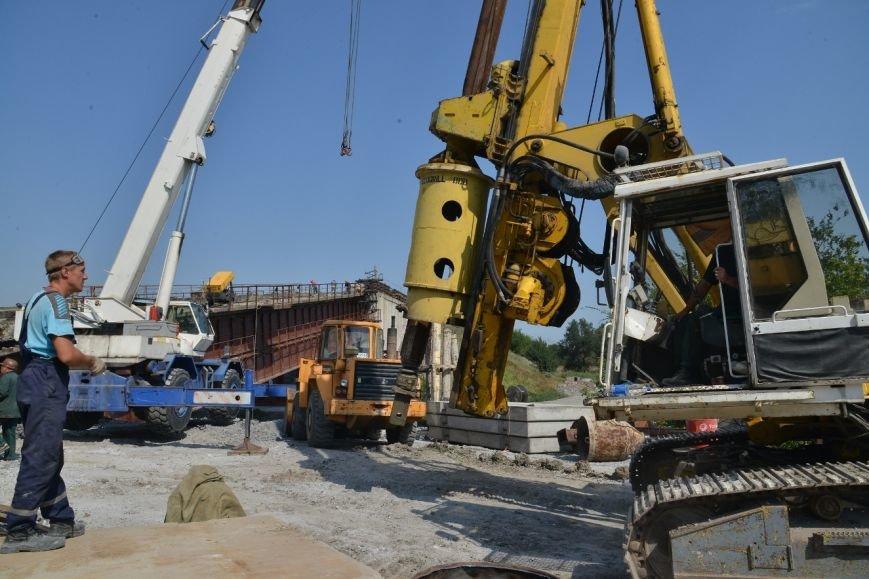 Восстановление взорванного террористами ж/д моста через Кальчик: строители готовятся к подъему пролетов (ФОТО), фото-1
