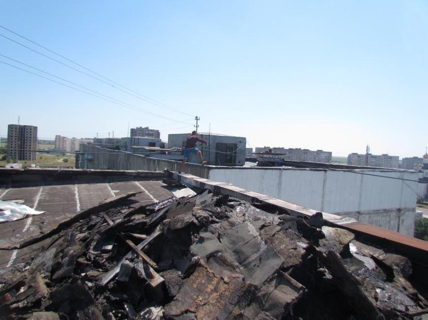 Мариупольцам рассказали, почему дом, не попавший под обстрел, попал в списки на финансирование ремонта из госбюджета (ФОТО), фото-1