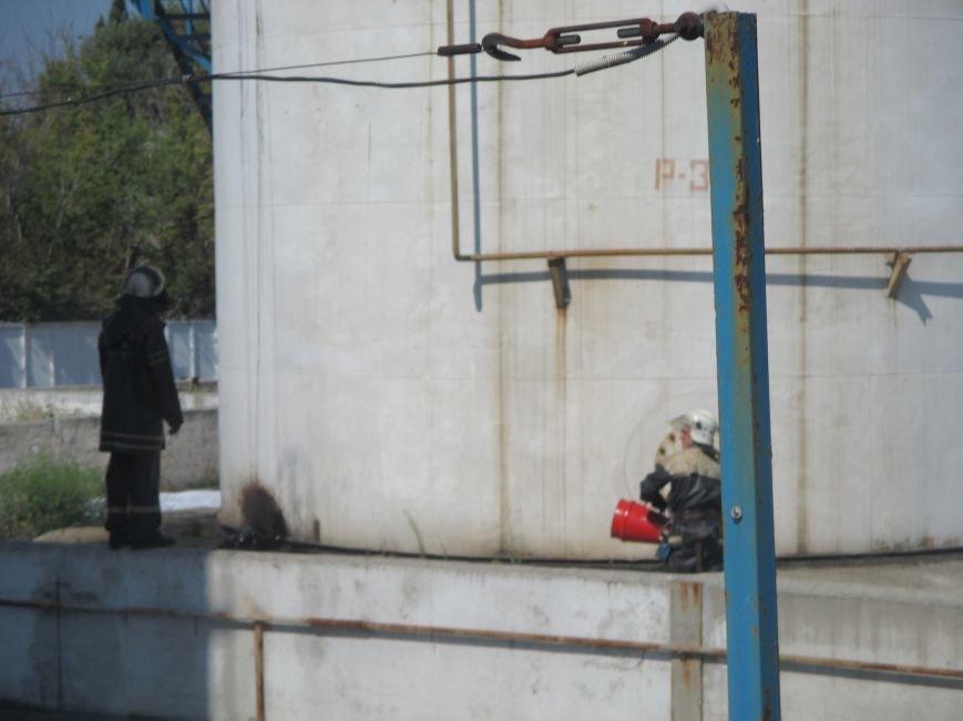 На территории кременчугского предприятия взорвалась цистерна с мазутом (ФОТО), фото-2