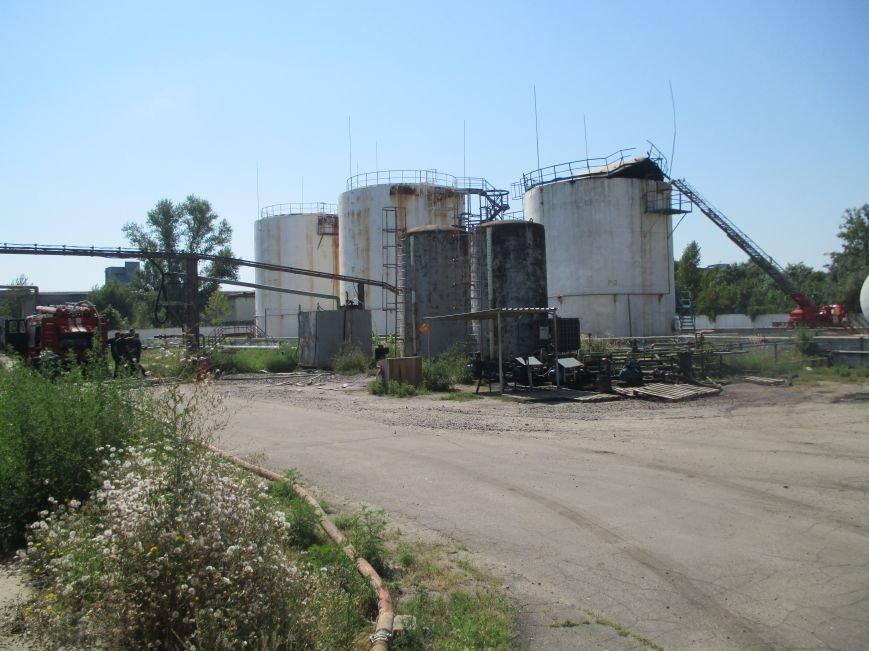 На территории кременчугского предприятия взорвалась цистерна с мазутом (ФОТО), фото-17
