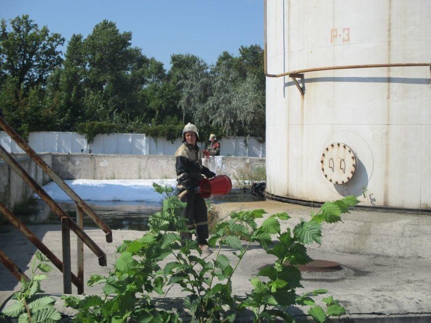 На территории кременчугского предприятия взорвалась цистерна с мазутом (ФОТО), фото-4
