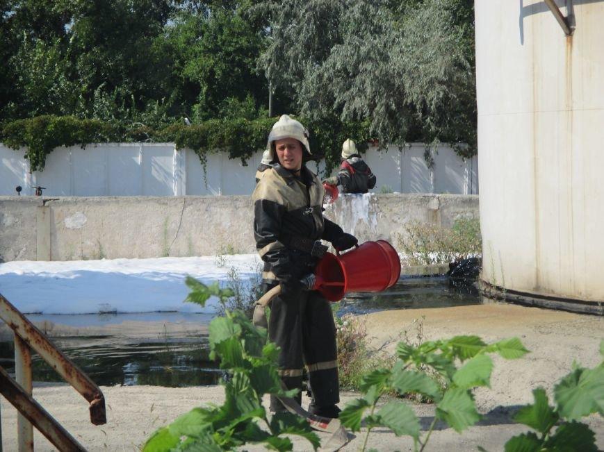 На территории кременчугского предприятия взорвалась цистерна с мазутом (ФОТО), фото-3